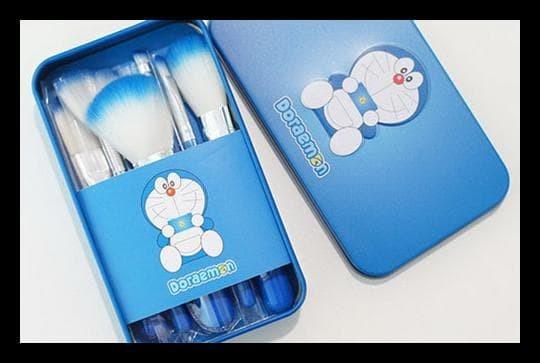 Doraemon Brush Kaleng 7 In 1 / Make Up Brush / Kuas