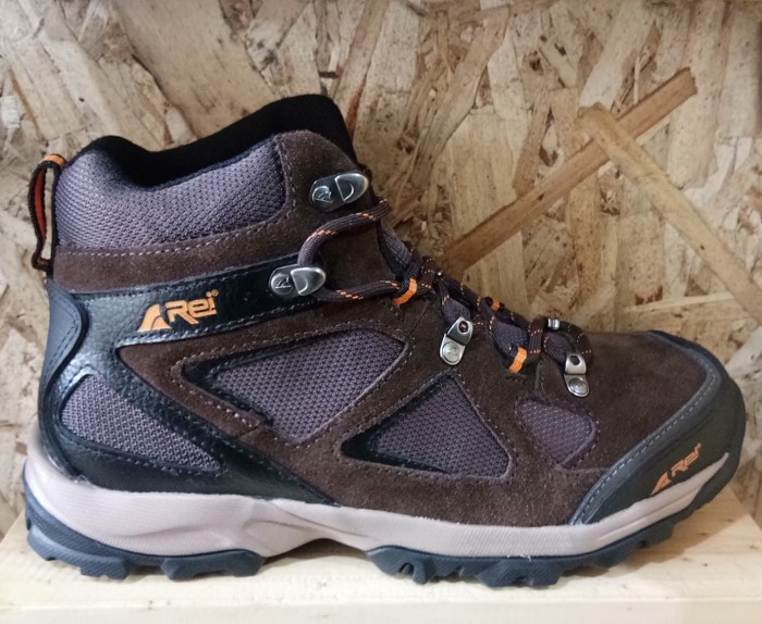 harga Sepatu gunung/sepatu rei blacksmith Tokopedia.com