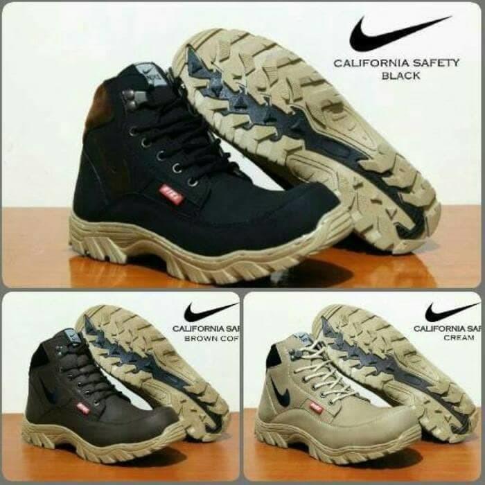 Sepatu Boots Pria Nike Tracking California Sepatu Safety Murah - Cokelat  Tua b7b5cb3c22