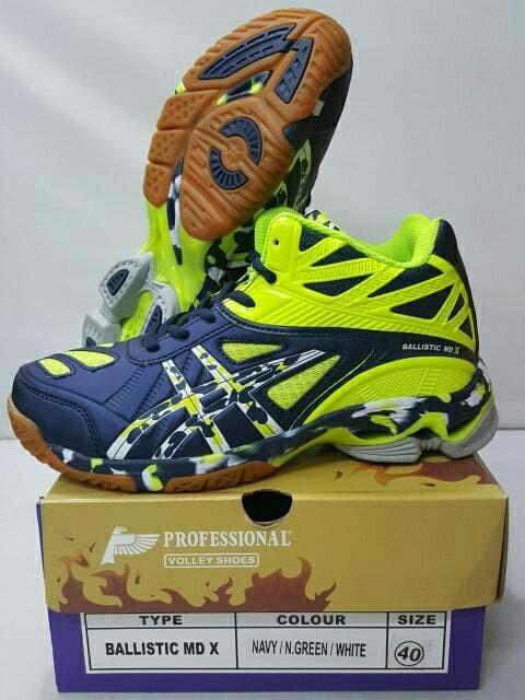sepatu voli professional ballistic md volley profesional balistic mid 0b2b334572