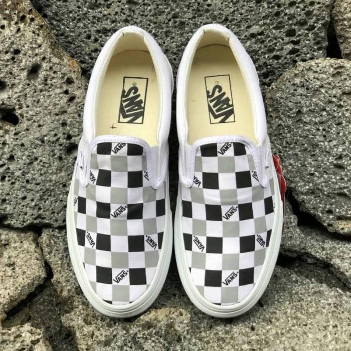 134c8ad6f44d Jual Sepatu Vans Vault OG LX Classic Slip On Tri Check White Black ...
