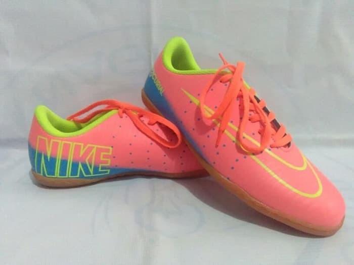 Jual Sepatu Futsal Adidas Nike Specs Puma Ukuran 34-43 Berkualitas ... 84cd3e9b2b
