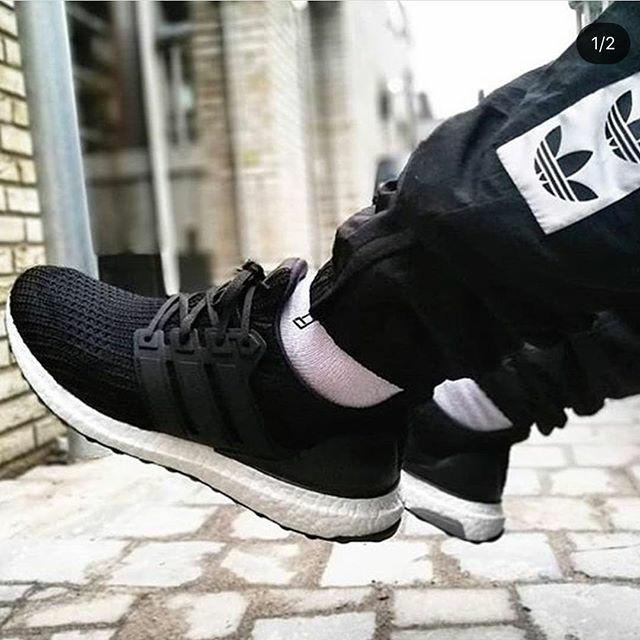 00180cd1c5ddb Jual Adidas Ultra Boost 4.0 Black White Premium Original   sepatu ...