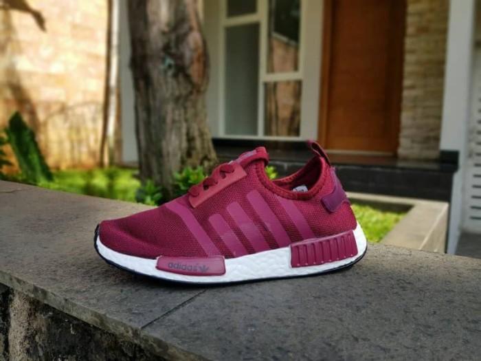 9be3083d9 Jual Sepatu Wanita - Adidas NMD R1 Maroon - GO - Kab. Tangerang ...