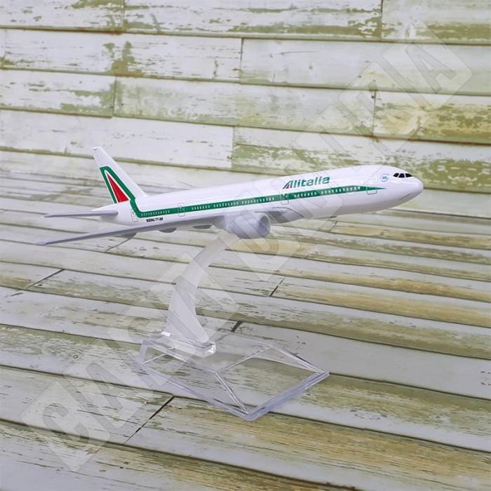 harga Alitalia airlines boeing b777 - diecast miniatur pesawat terbang Tokopedia.com