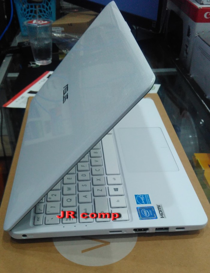 harga Notebook asus e203nah intel n3350|ram 2gb|win 10 ori new promo Tokopedia.com