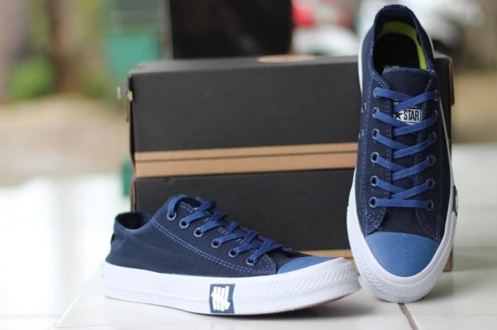 Sepatu sneakers converse Chuck Taylor II Dragon Sepatu Sneakers Pria -  Navy 67150f8af5