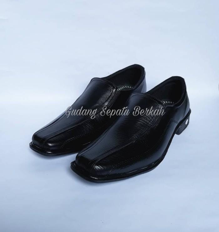 harga Sepatu pantofel formal pria kantor casual Tokopedia.com