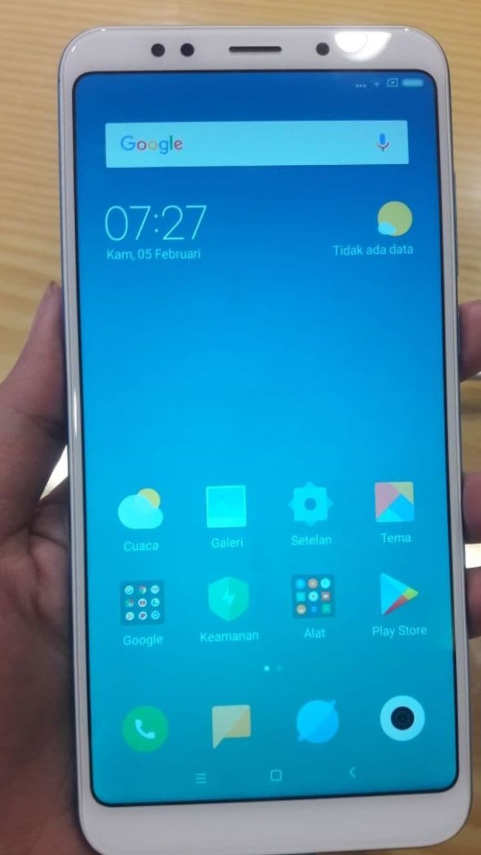Jual Handphone Hp Xiaomi Redmi 5 Plus Ram 3gb 32gb Garansi Resmi 3 Internal 32 Tam 1 Th Emas