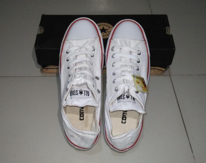 Jual sepatu converse all star pria wanita warna putih - tokonobita ... c9e6930a5c