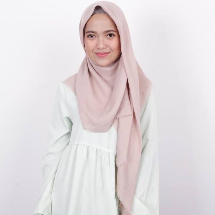 harga Zoya hijab segi empat - kerudung unvinised swarovsky khaky Tokopedia.com
