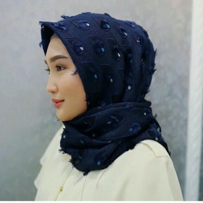 harga Jilbab kerudung krisna / square hijab segiempat swan bulu merak ori Tokopedia.com