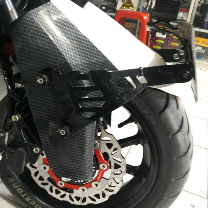Motor. Breket Dudukan Plat Nomor Yamaha aerox 155 dan nmax