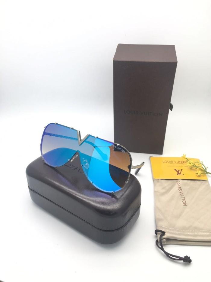 085e9122df8 Kacamata Lv Drive Wanita Sunglass Wanita Louis Vuitton Super - Hitam - Nita