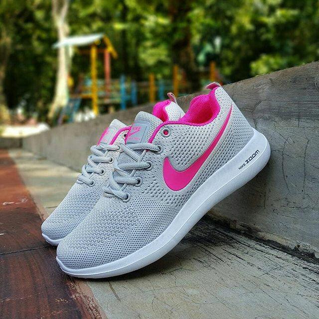 Jual Nike zoom lunarlon woman   sepatu cewe   kado cewe   sepatu ... dd6908358c