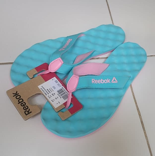 harga Sandal / sendal reebok women twist flip neon blue light pink original Tokopedia.com