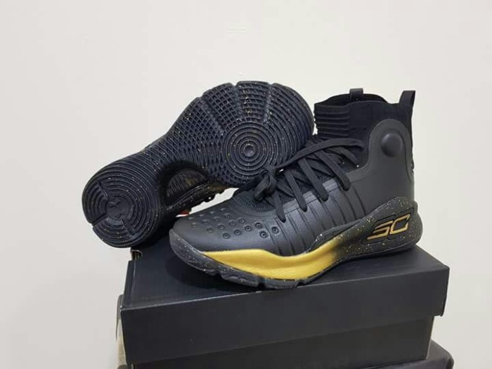Jual sepatu basket under armour curry 4 high black gold - RyzkiSport ... 65c74befb9