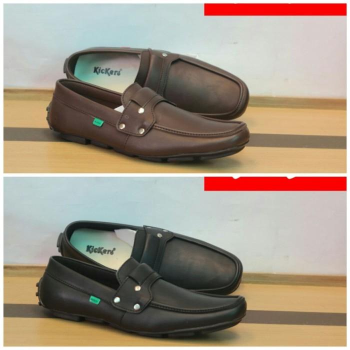 Sepatu Casual SlipOn Kulit Pria Kickers   Sepatu Santai Slop Pria - Hitam a6ca599741