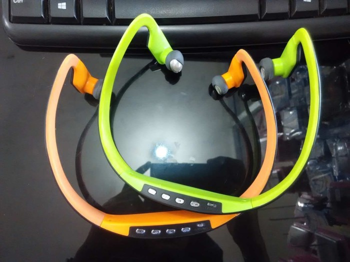 harga Mp3 sport bluetooth bs15c headset handsfree streo earphone bs 15c mp 3 Tokopedia.com