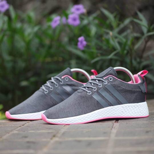 042a124be Jual Sepatu Adidas NMD R2 Pink Grey   cewe wanita running gym ...