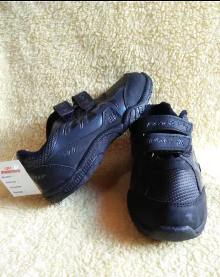 harga Sepatu sekolah anak tk sd smp warna hitam revindo sport Tokopedia.com