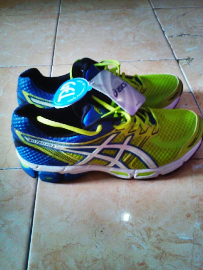 pas cher pour réduction e050c b6ba4 Jual Sepatu Asics Gel Phoenix 6 - Kab. Kediri - UDA OLSHOP | Tokopedia