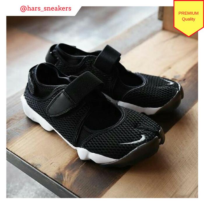 Jual sepatu nike air rift black premium cek harga di PriceArea.com ce4bccfe7d