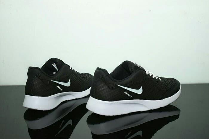 Jual Sepatu Nike Air Max Running Pria Warna Hitam List Putih 82ae742cfe