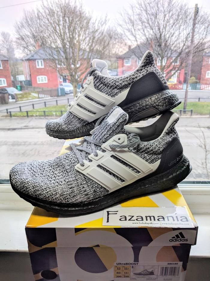 6ec15a3385a99 Jual Sepatu Adidas Ultra Boost 4.0 Oreo Cookies Cream - Kota Bekasi ...