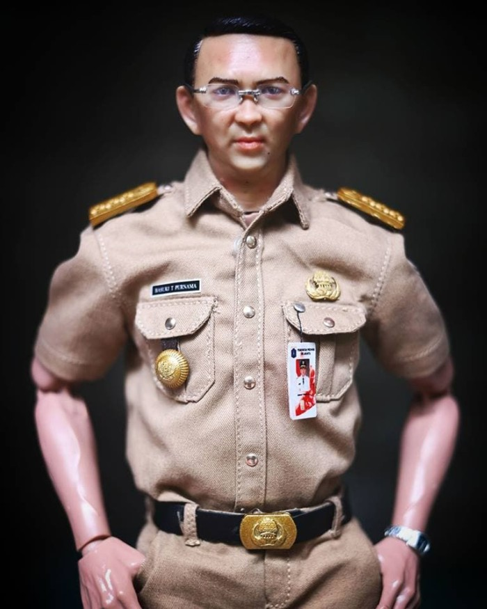 harga Ahok action figure the governor skala 1/6 seperti hot toys Tokopedia.com