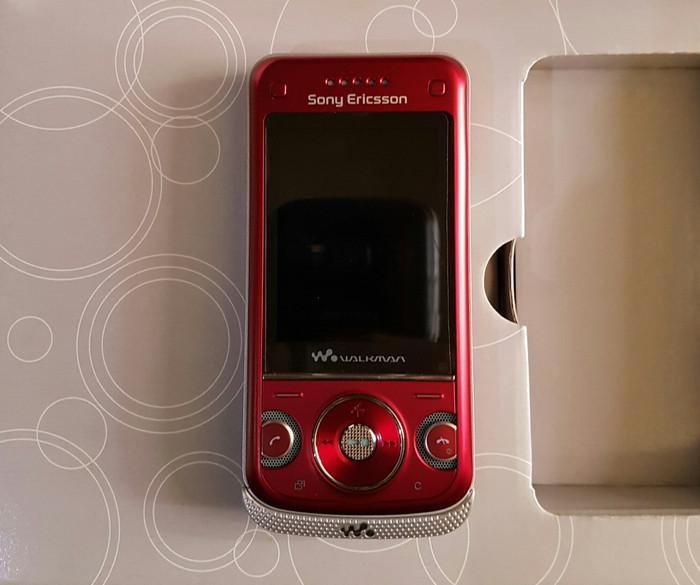 Foto Produk HP Sony Ericsson W760 dari UAV