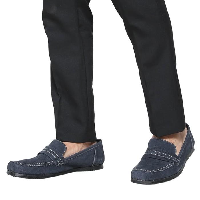 Jual Rasheda Sepatu Kulit Asli Kasual Pria B 20 Big Size Navy 44 Harga Rp  325.000 edd79df68c