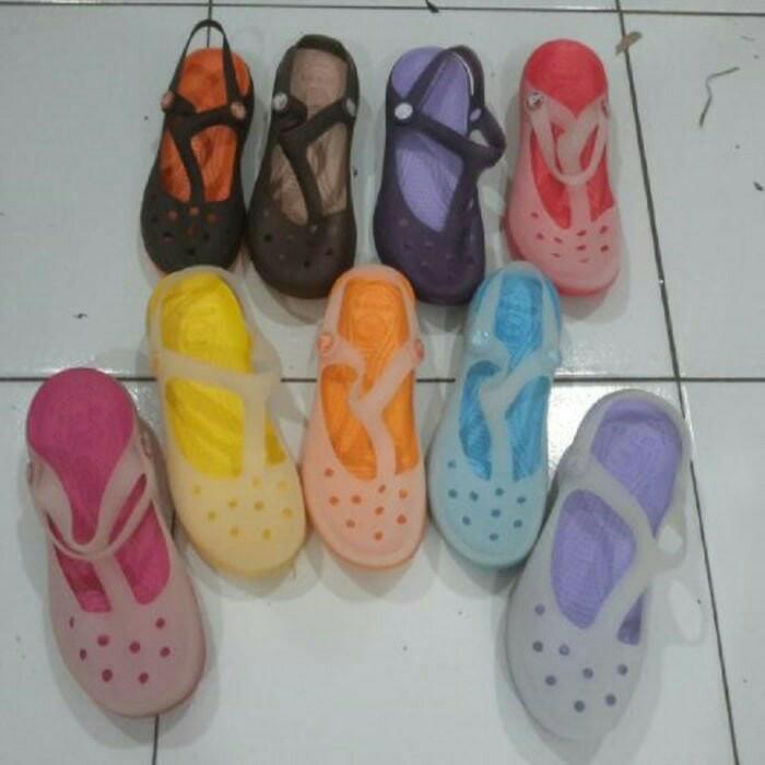 2c15e8fca099 Harga murah sandal crocs wanita carlie mary jane original (grosir dan ...