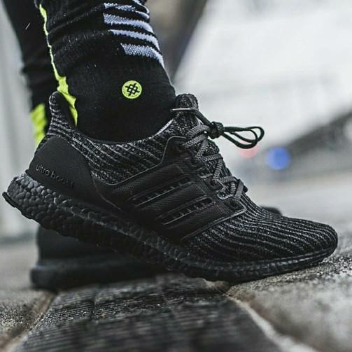 5a6dff113edc5 Jual Adidas Ultra Boost 4.0 All Black   Black White - DKI Jakarta ...