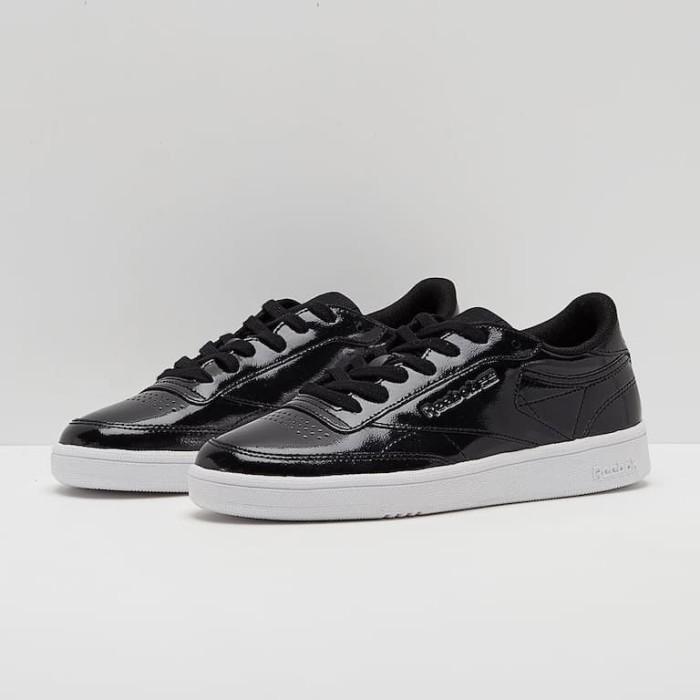 4fd5854a9b62 Jual sepatu Reebok original womens Club C 85 Patent Black White ...