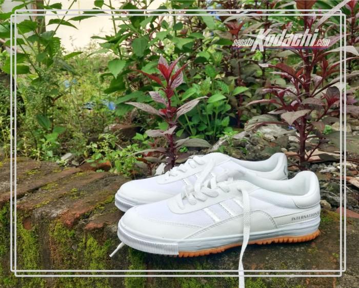 harga Kodachi 8115 white / putih - sepatu badminton running tennis Tokopedia.com