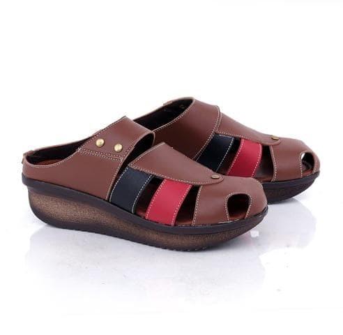 harga Sandal sepatu wanita - wedges bustong 5cm coklat gco - pesta dan kerja Tokopedia.com