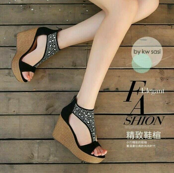 Sandal wedges permata hitam