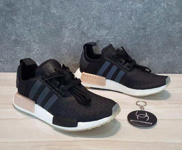 ac82317c914a8 Jual Adidas NMD R1 Womens - Carbon Black Peach - Kab. Tangerang ...
