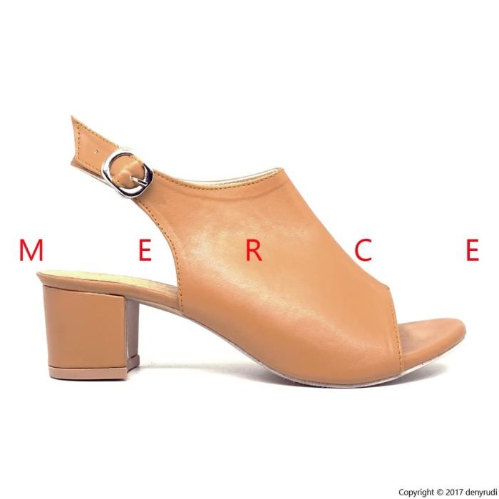 Merce Amber Sepatu Pantofel Kerja Wanita Pump Heels Hitam Abu Coklat ... fb4b69ba67