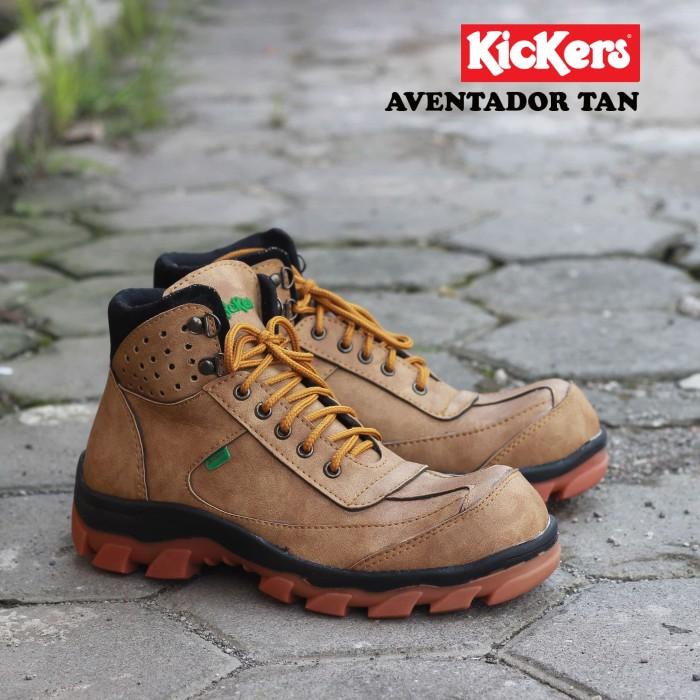 Jual Sepatu Kickers Boots Safety Pria Aventador Terlaris - Cokelat ... 89b0266079