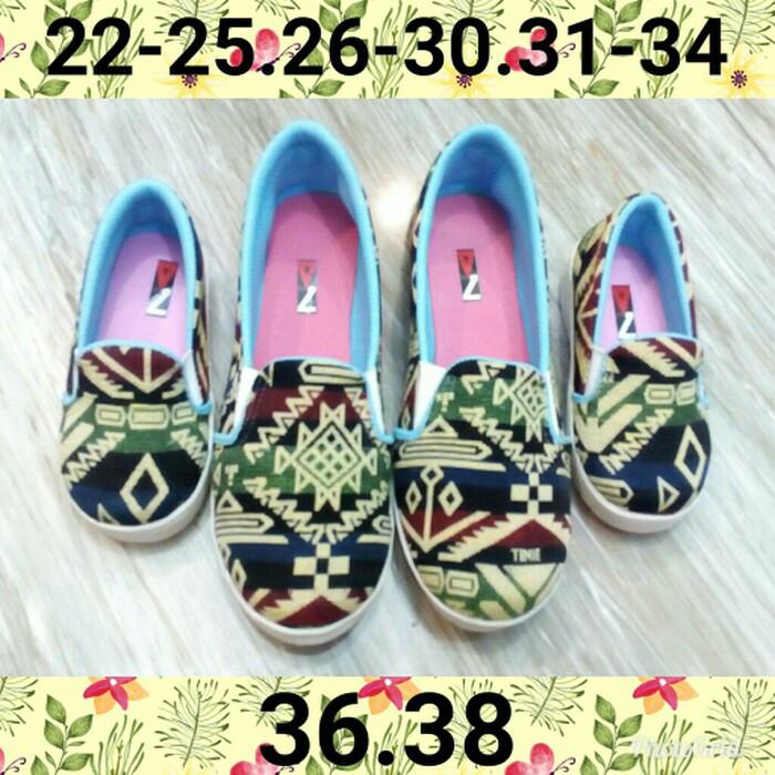 Jual Sepatu Couple Ibu Dan Anak Model Tenun Kota Makassar