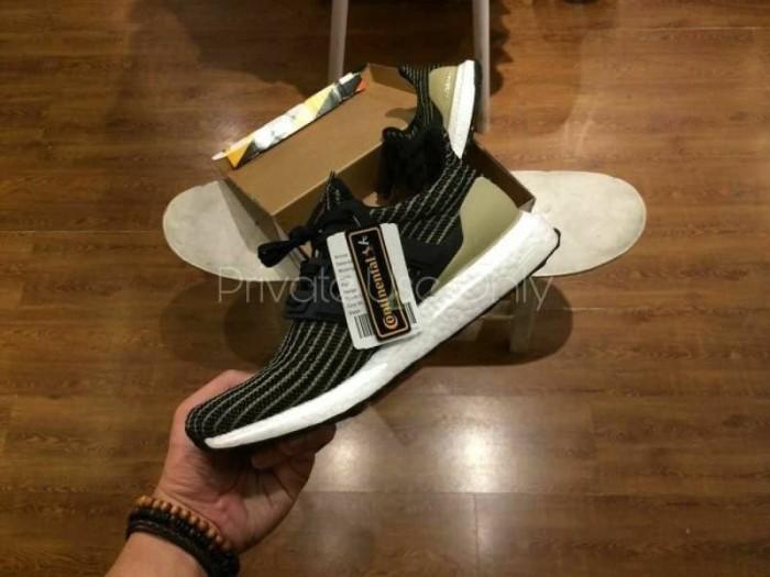 online retailer e96c8 bae76 Jual Adidas Ultra Boost 4.0 Dark mocha Trace, kaki Raw Gold - Kota Bekasi -  THIS_SNKRS | Tokopedia