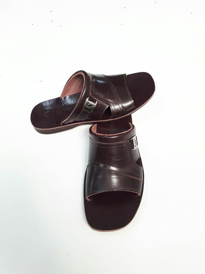 ... harga Sandal pria kulit asli merek dolphin d.31 Tokopedia.com 86020e24d2