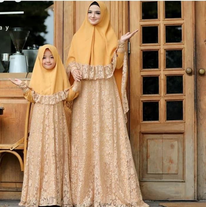 harga Couple gamis mom kids brokat +hijab maura ( gold & biru ) Tokopedia.com