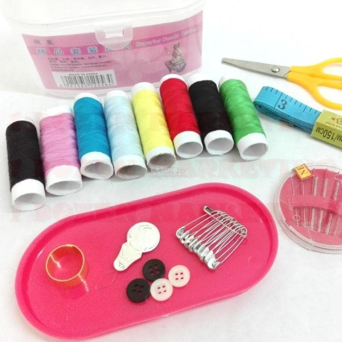 Set Alat Jahit Sewing Box travelling Set Peralatan Benang Jarum kecil - warna .
