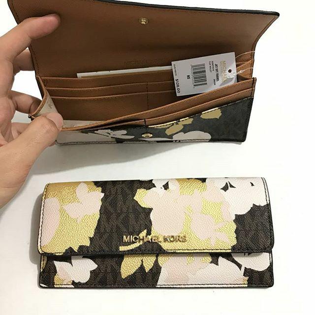 63fc82eeb031 Jual Dompet Michael Kors original - Mk flat wallet signature brown ...