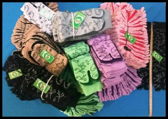 Kaus Kaki Muslim Motif Batik Panjang Sebetis Kaos Muslimah Jempol !