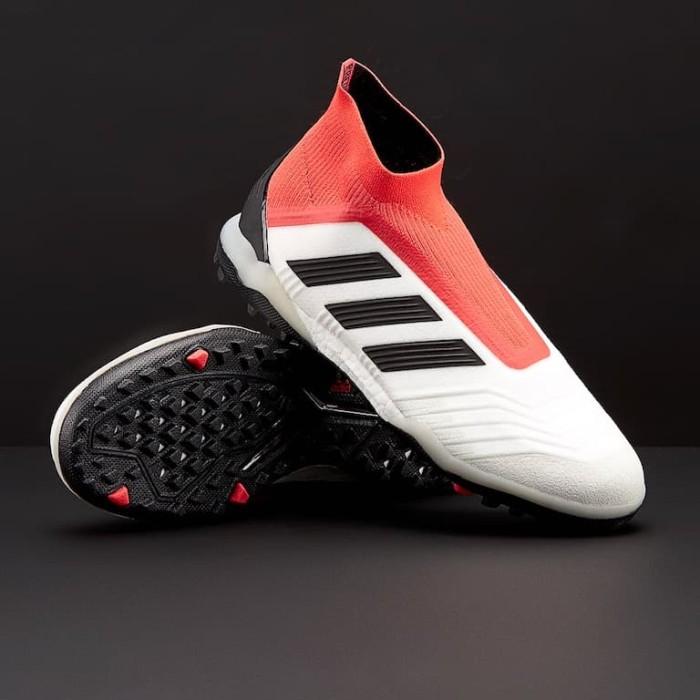 98ad2a5e3bcb ... spain sepatu futsal adidas original predator tango 18 tf white cm7674  80790 1f823