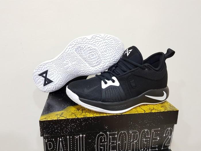harga Sepatu basket nike pg2 low black white Tokopedia.com f92a4ec9b4